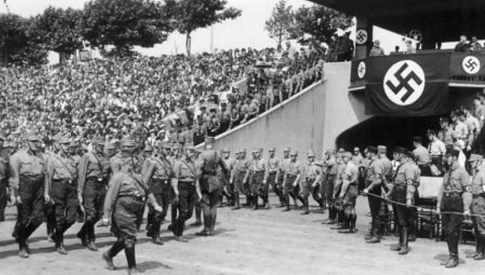 Aufmarsch der Massenmörder - Duisburg 1932 (Stadtarchiv)